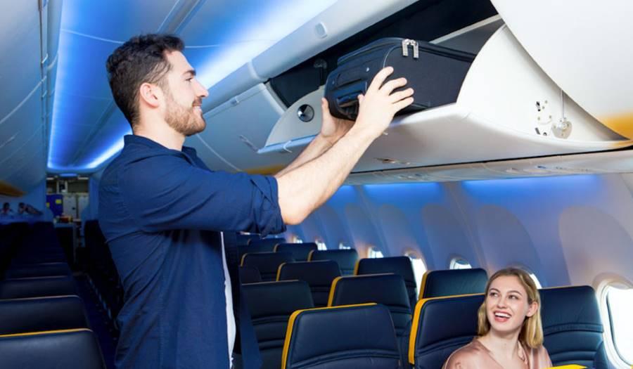 33838ac65ba1 Budapesten már életbe lépett a Wizz Air új poggyászszabálya, az utasoknak  fel kell adnia a kézipoggyász méretű csomagot – közölte hétfőn a pénteki  hírekre ...